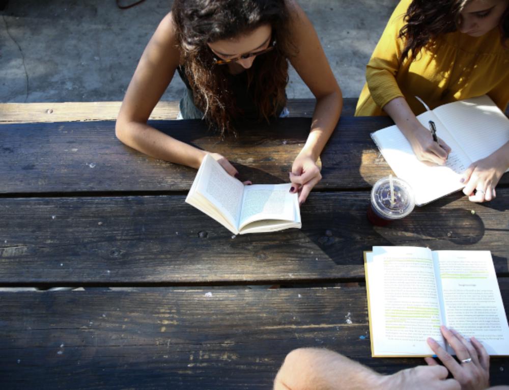 Vacanze: dieci libri da leggere secondo Keyone